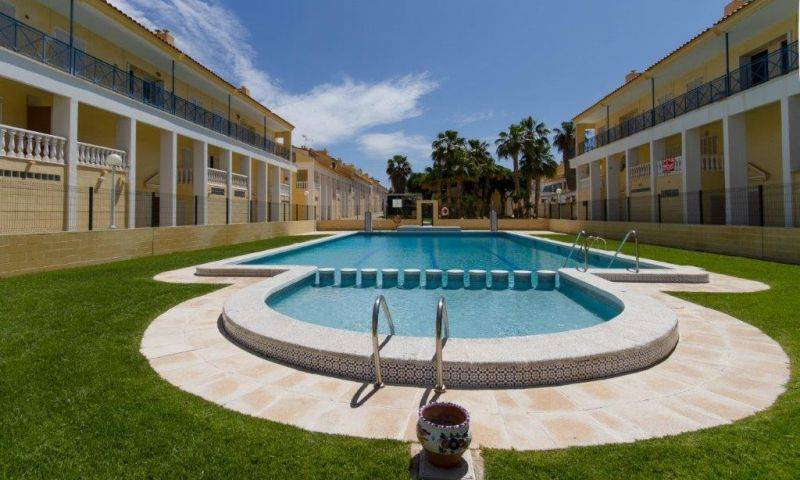 Resale - Townhouse  - La Mata